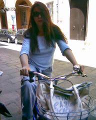 Monica in bici Bologna luglio 2008